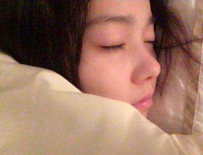 【動画あり】『寝てる妹にこっそり挿入してみたww』最低すぎる兄貴のスマホ動画がこちら